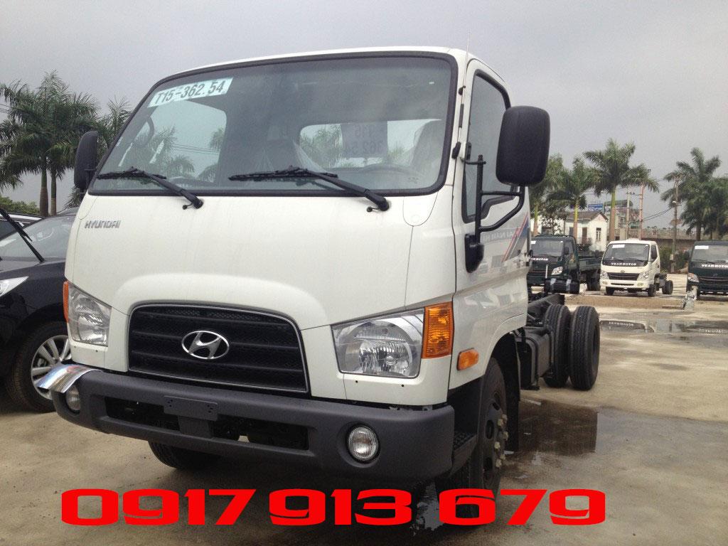 Hyundai HD72 màu trắng